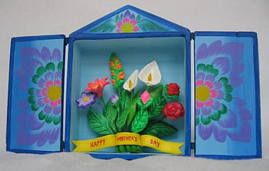 AYRT1 - retablo Ayacucho Peru Mother's Day card with bouquet of flowers.